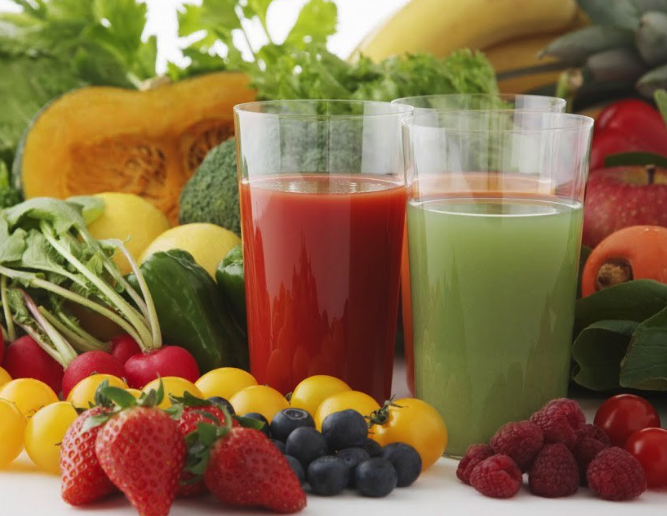 Juicing Pros and Cons; What are the Health Benefits?
